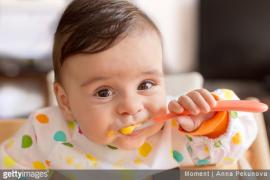 Alimentation pour bébé de 8 mois : que mange-t-il ?